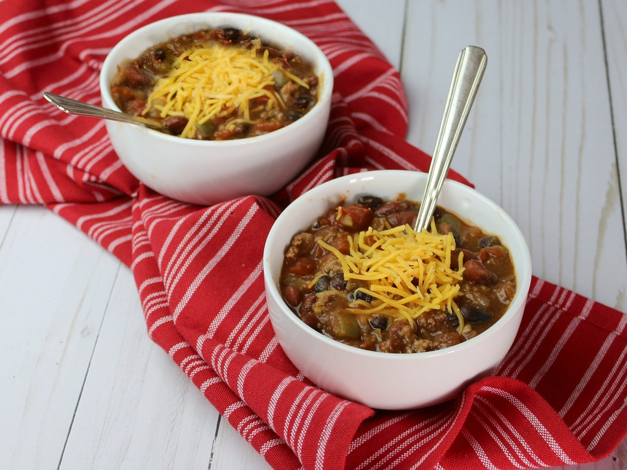 Thirty Minutes is all you need to make this easy chili recipe that's sure to be a favorite dinner for your family.