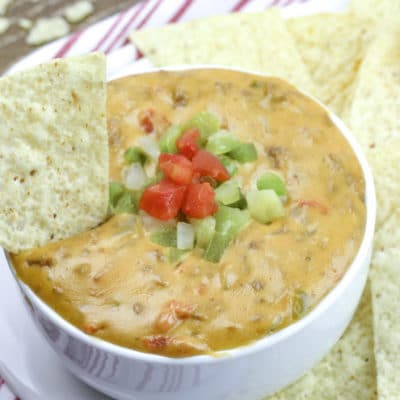 Slow Cooker Beef Queso Dip