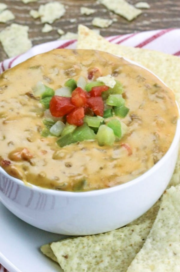 Slow Cooker Beef Queso