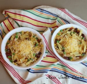 slow-cooker-chicken-chili-cover