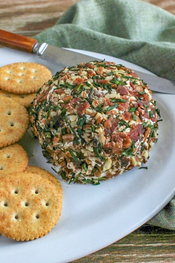 Bacon and Chive Cheeseball Appetizer