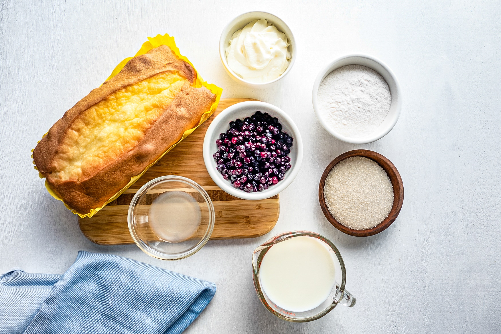 Ingredients needed to make blueberry parfaits.